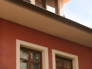 rustikální dřevěná okna