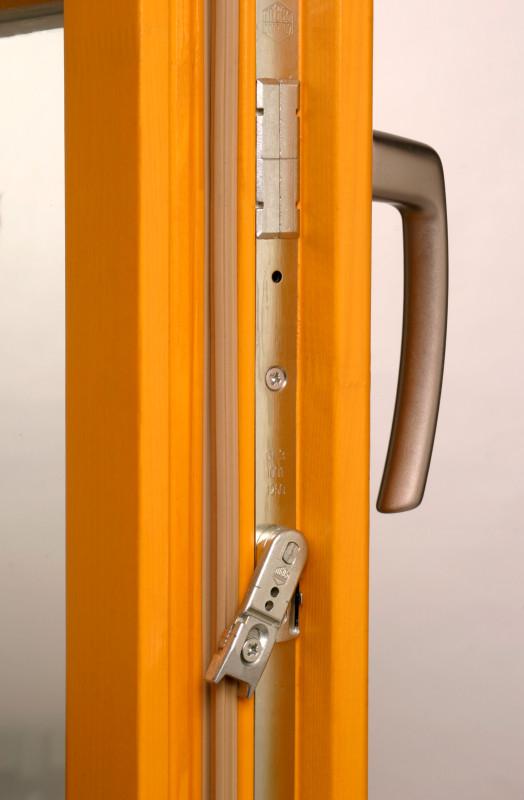 návod k obsluze a péči o kování dřevohliníkového okna