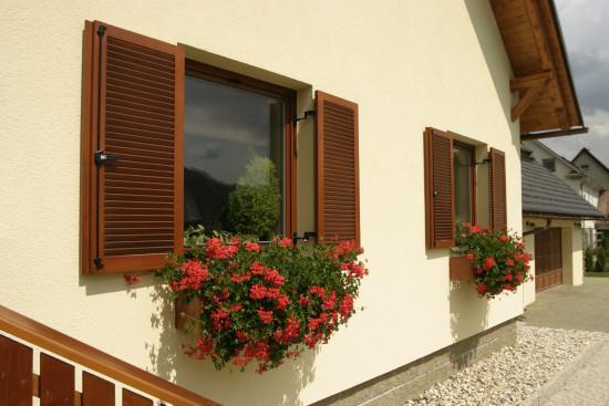 dřevěné okenice