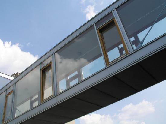 izolační skla v ocelové konstrukci