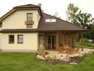 dům s prosklenou stěnou
