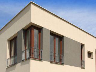 rohové dřevěné okno