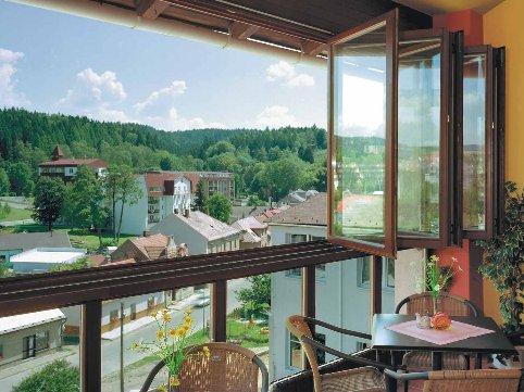 skládací balkonová stěna